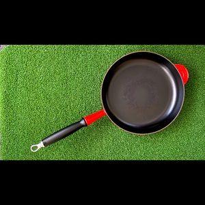 Le Creuset pan skillet